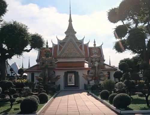 Is this the most well known temple in Thailand – Guest Vlog Beauty And The East